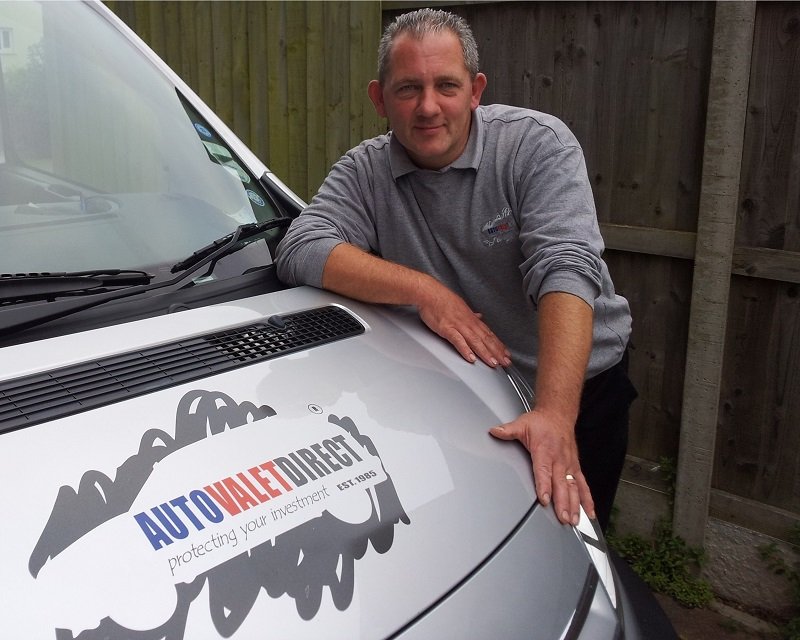 Autovaletdirect franchisee, Richard Rowe signs for a second six year term