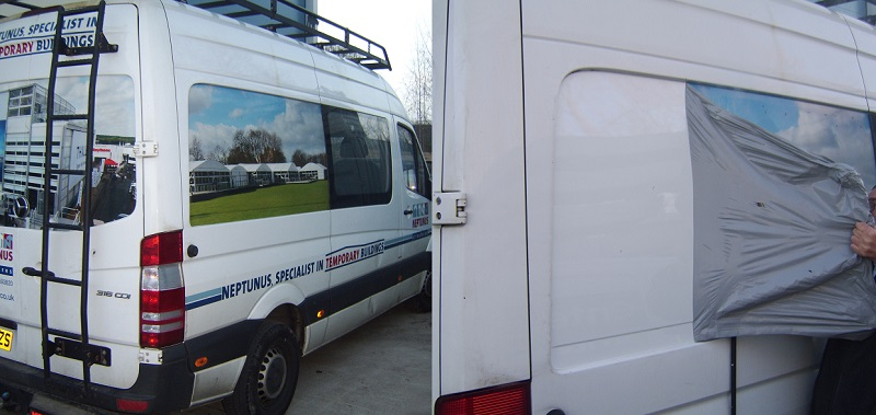 Vehicle graphics and sign writing removal in Hampshire